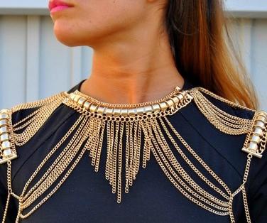 maxi-collar