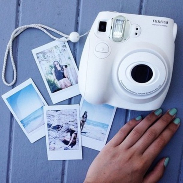 ymcvoe-l-610x610-white-camera-photography-technology-home+accessory-belt-jewels-sweater-earphones-hair+accessory-cute-weheartit-