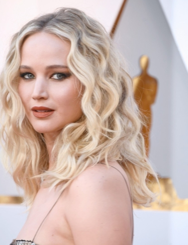 Jennifer Lawrence looks oscar 2018